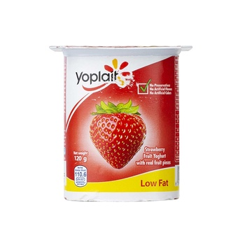 Yoplait Fresh & Light Strawberry Yoghurt 120g
