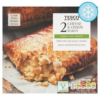 Tesco 2 Cheese & Onion Bakes 260g