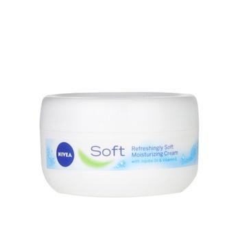 NIVEA Soft Moisturizing Cream Refreshingly Soft Jar 200ml