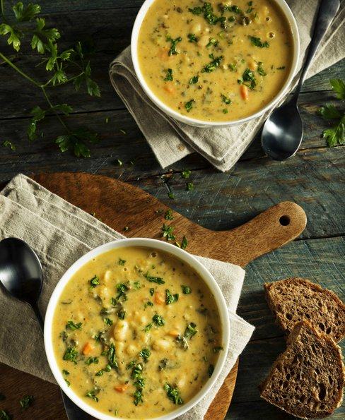 Creamy white bean soup with parsley
