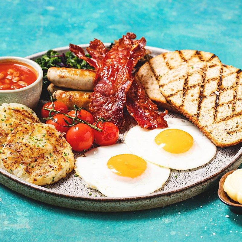 Breakfast at beautiful Koko Bay