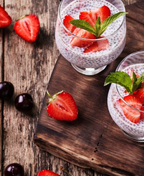 Strawberry & almond chia seed pudding
